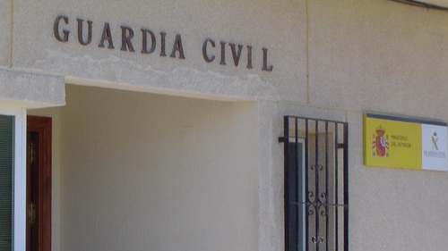 Detenida una mujer en Salobreña por dos atracos y tres robos