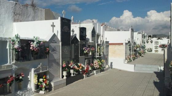 Salobreña pone a punto sus cementerios de cara a la festividad de Todos los Santos