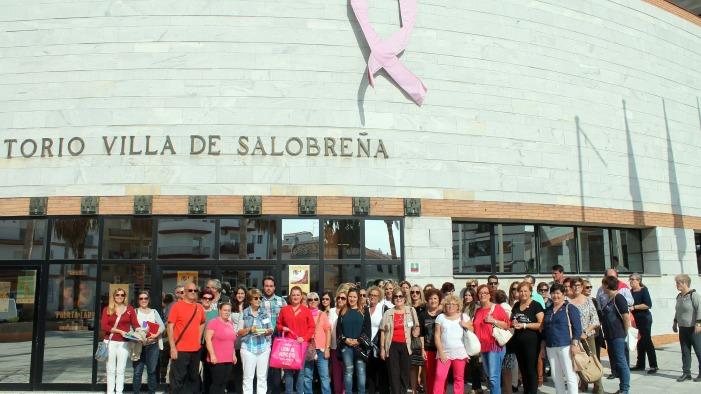 Salobreña se viste de rosa en el Día Mundial contra el Cáncer de Mama