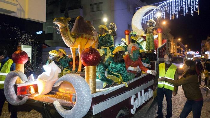 Carrozas De Reyes Magos Fotos.Los Reyes Magos Recorren Esta Tarde Las Calles De Salobrena