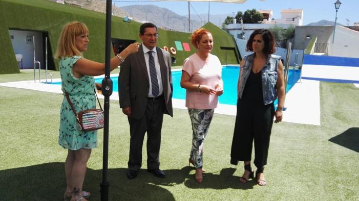 La piscina de Lobres reabre sus puertas tras las obras de mejora en sus instalaciones