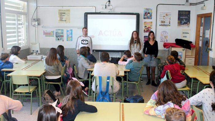 Juventud y la asociación Phoenix ponen en marcha un plan de formación y sensibilización