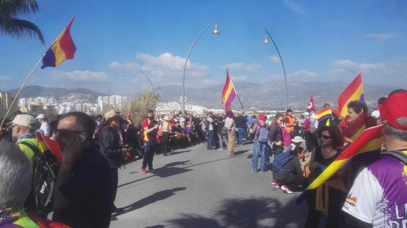 Llegada de la Marcha al puente del Guadalfeo.