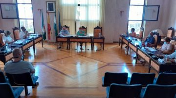 El pleno de Salobreña aprueba dos mociones socialistas sobre enseñanza y sanidad